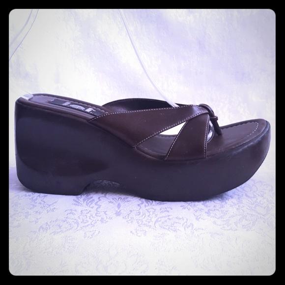 eb227738529a lei Shoes - Retro L.e.i. Brown Platform Sandals